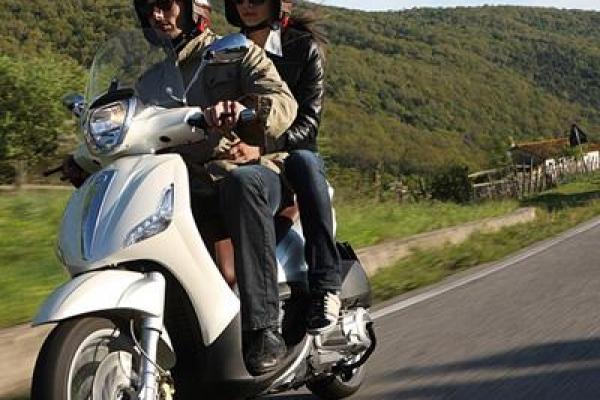 newbeverly-scooter-piaggio-3-1331E803E-F682-3BCA-8B37-F84D954B1A6C.jpg