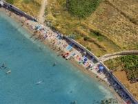 bilin-zal-beach-lumbardaDF0F8BB4-B989-F0FD-B6E3-62FBF0EB391F.jpg